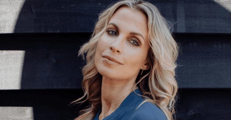 Vivian Reijs Profhilo behandeling jonge huid Bussum